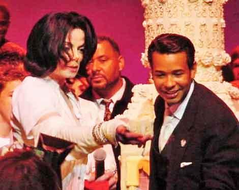 Raffles Cons Michael Jackson